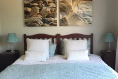 Bedroom-3-Sea-Room-2-single-beds-or-King